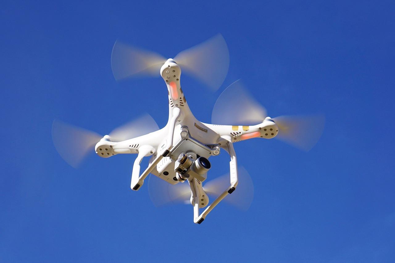 Drone, drones, droner till låga priser. Börja flyga med drones redan idag - alla droner levereras kompletta reda att flygas direkt!